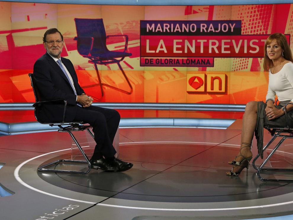 Mariano Rajoy durante su entrevista en Antena 3 con Gloria Lomana.