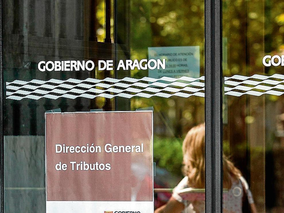 Oficina de gestión de tributos de la DGA en Zaragoza.