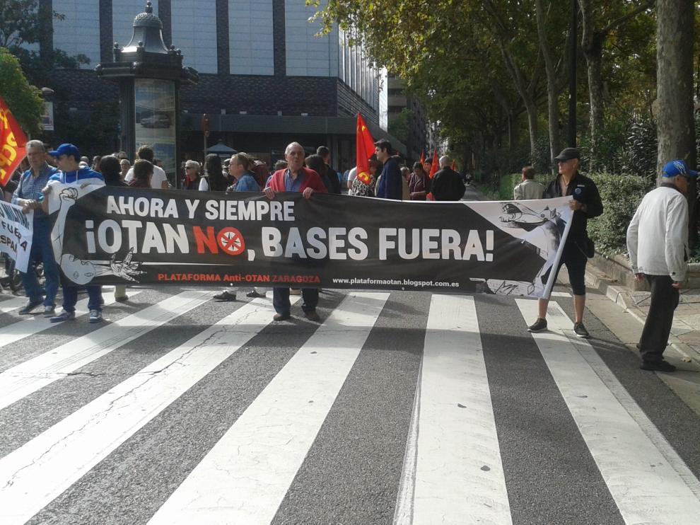 Manifestación anti-OTAN en Zaragoza