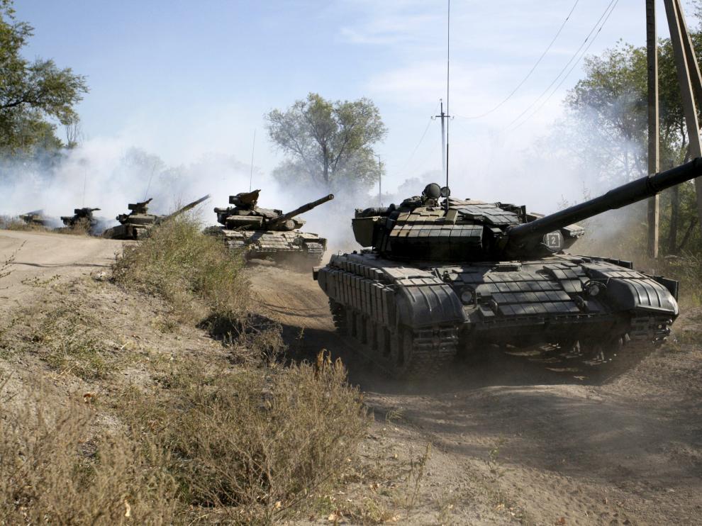 Los tanques se repliegan de la frontera en Ucrania