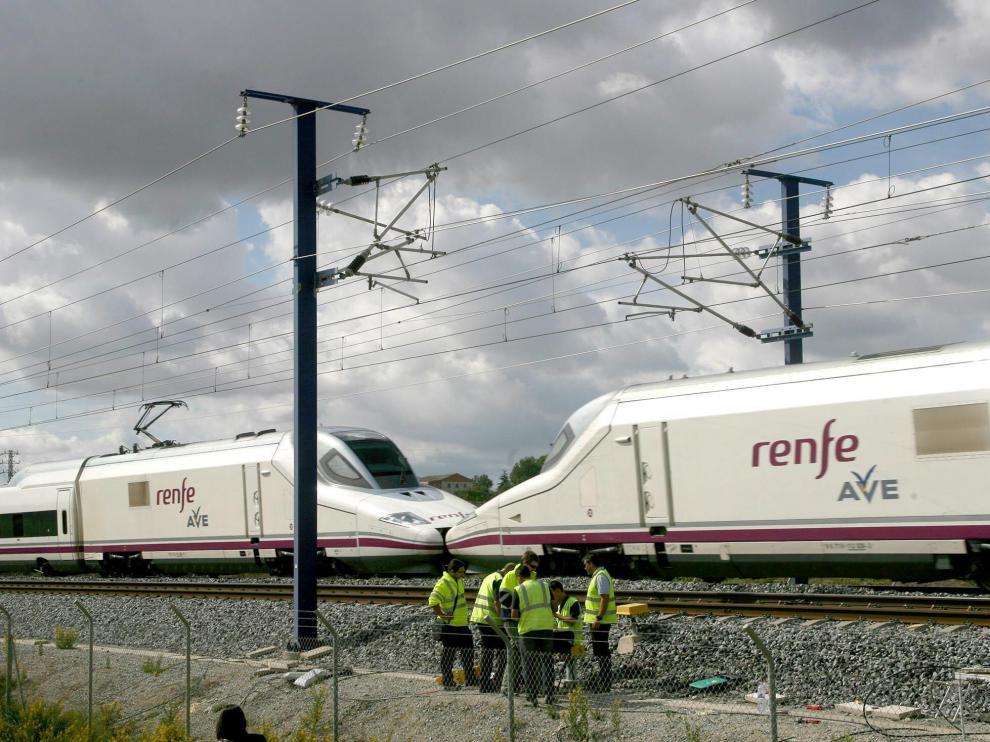 Dos trenes AVE, en una imagen de archivo