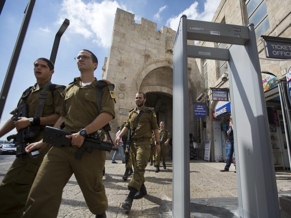 Detectores de metales en los accesos a la Ciudad Vieja de Jerusalén.
