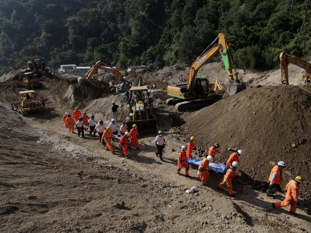 Labores de búsqueda y rescate en Guatemala