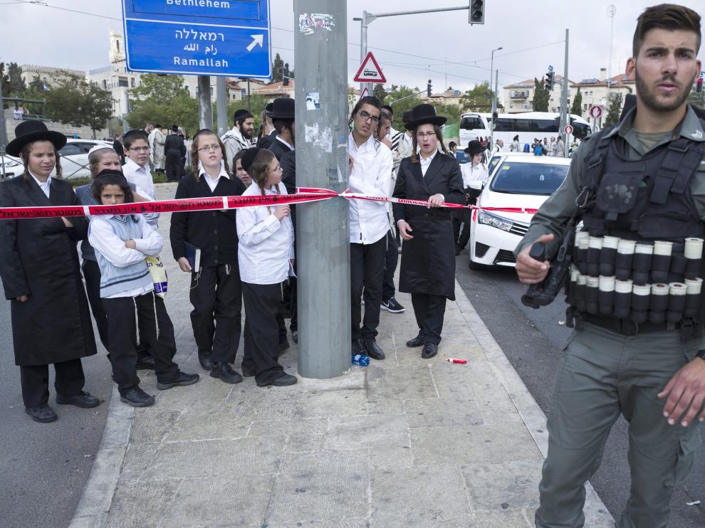 Israel despliega dos baterías antiaéreas en sur del país