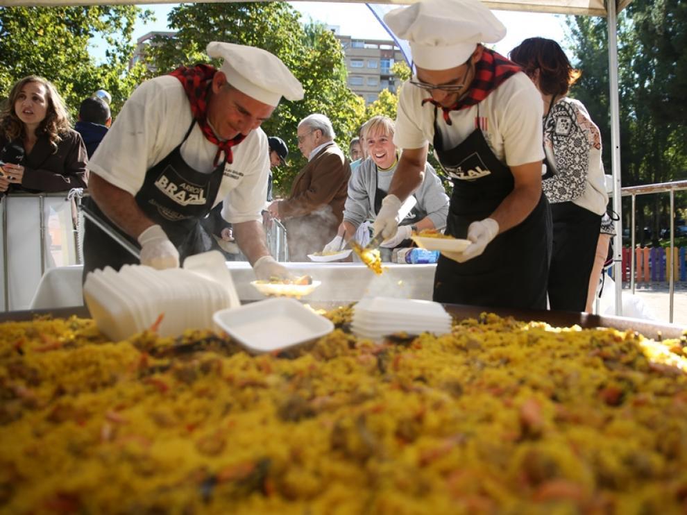 Paella para todos en Delicias