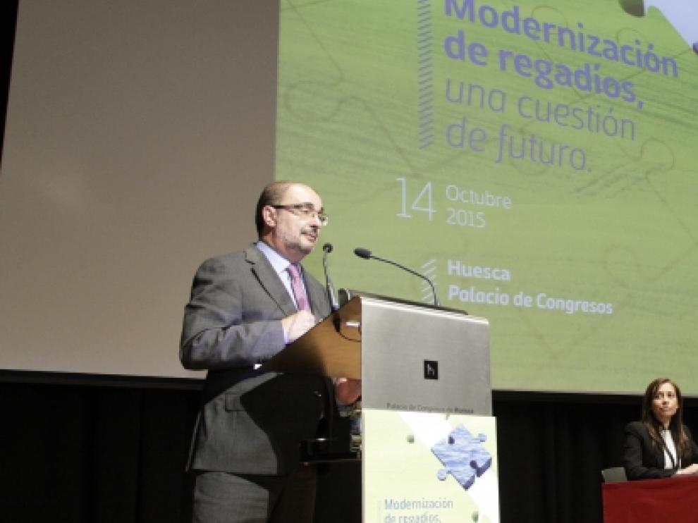 Javier Lambán en la clausura de la Jornada informativa 'Modernización de los regadíos, una cuestión de futuro', organizada por Riegos del Altoaragón.