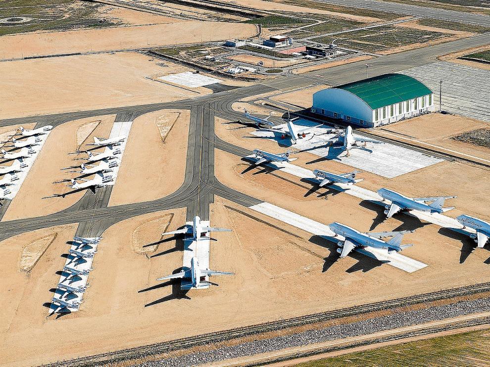 La zona de estacionamiento de aviones del aeropuerto de Teruel, en una imagen de archivo.