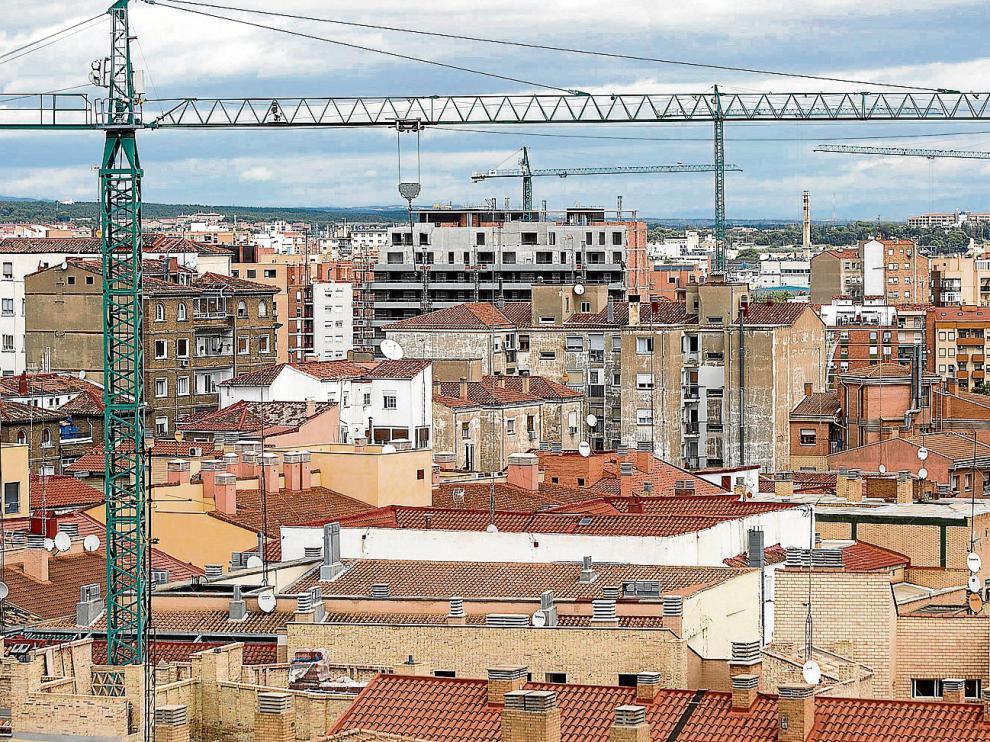 ZEC plantea una bajada del tipo residencial del IBI y, a su vez, una subida del tipo diferenciado para edificios comerciales.
