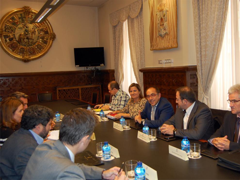Ambos presidentes de la Diputación de Soria y Teruel también han mantenido un encuentro con los agentes sociales y económicos.