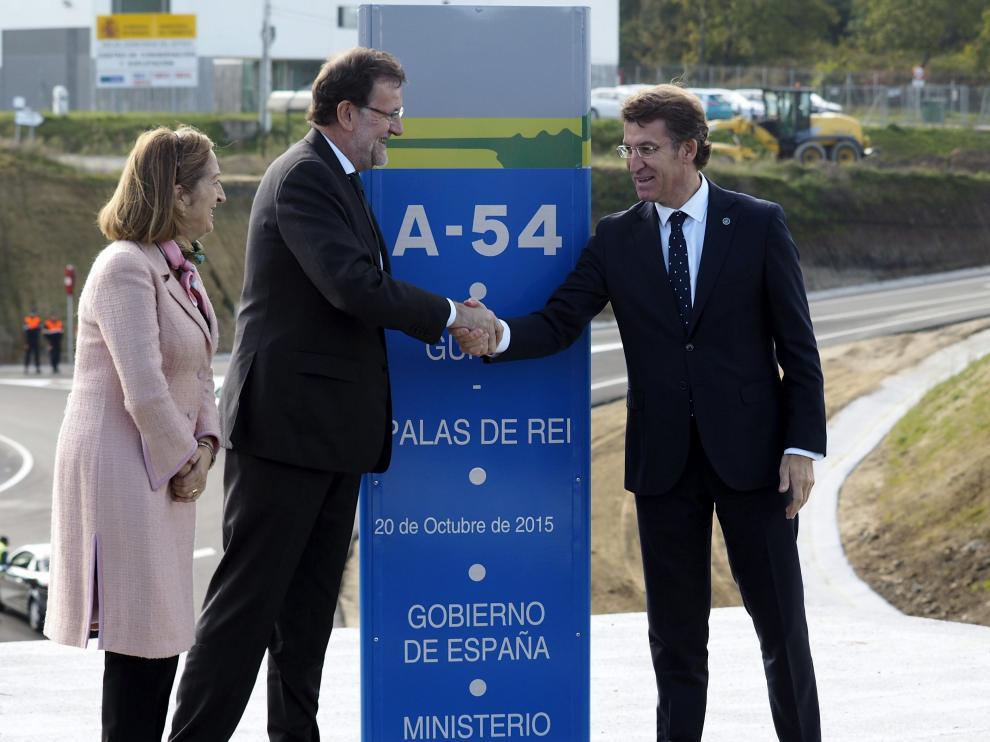 Rajoy junto a Alberto Núñez y Ana Pastor en Lugo.