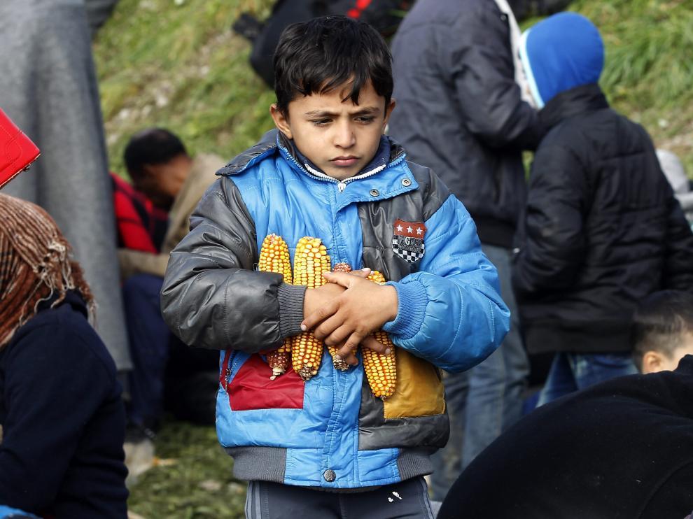 Imagen de un niño refugiado en Eslovenia.