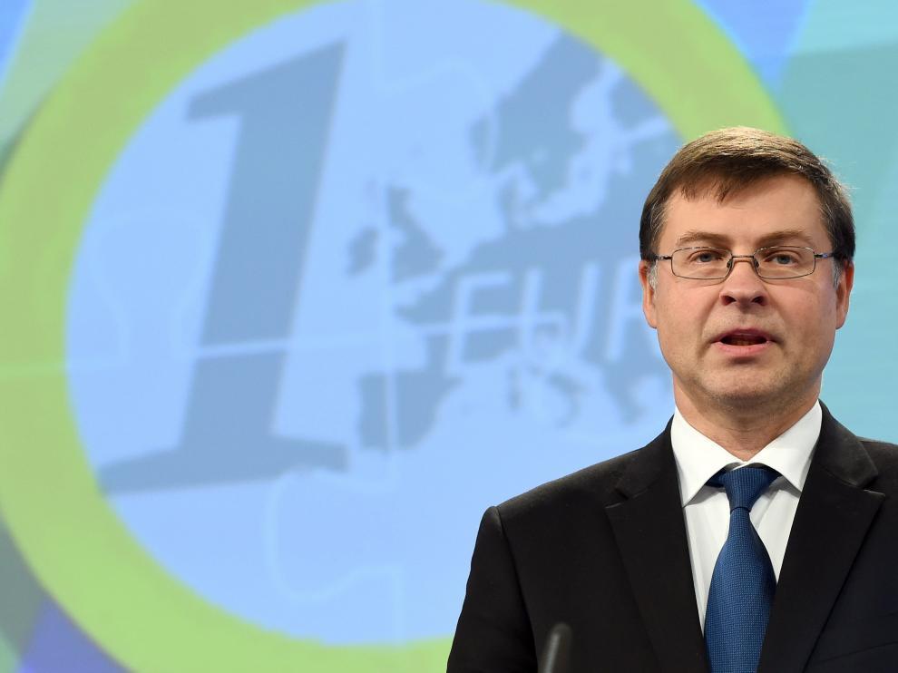 Valdis Dombrovskis durante una conferencia.
