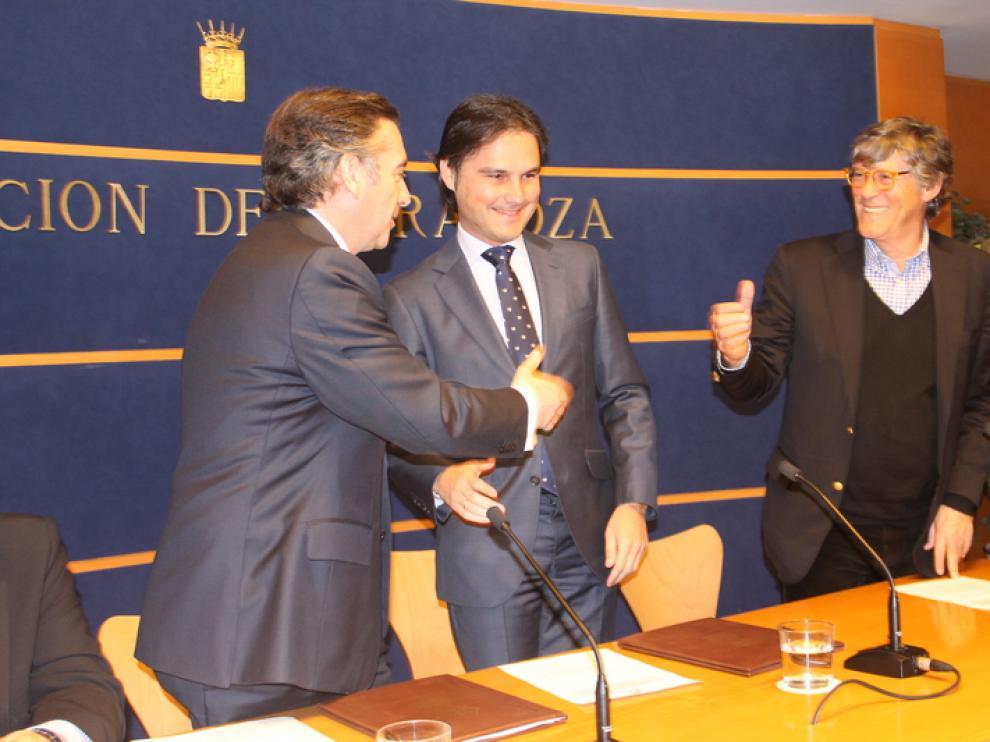 Nacho Lloret, junto a Simón Casas en la sede de la Diputación de Zaragoza.
