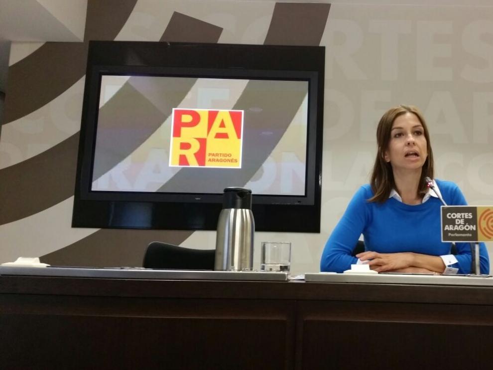 María Herrero en la rueda de prensa sobre Despoblación y fondos europeos  en las Cortes.