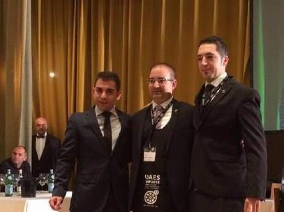 El aragonés Manu Jiménez, a la derecha, con los otros ganadores del nacional de sumillería.