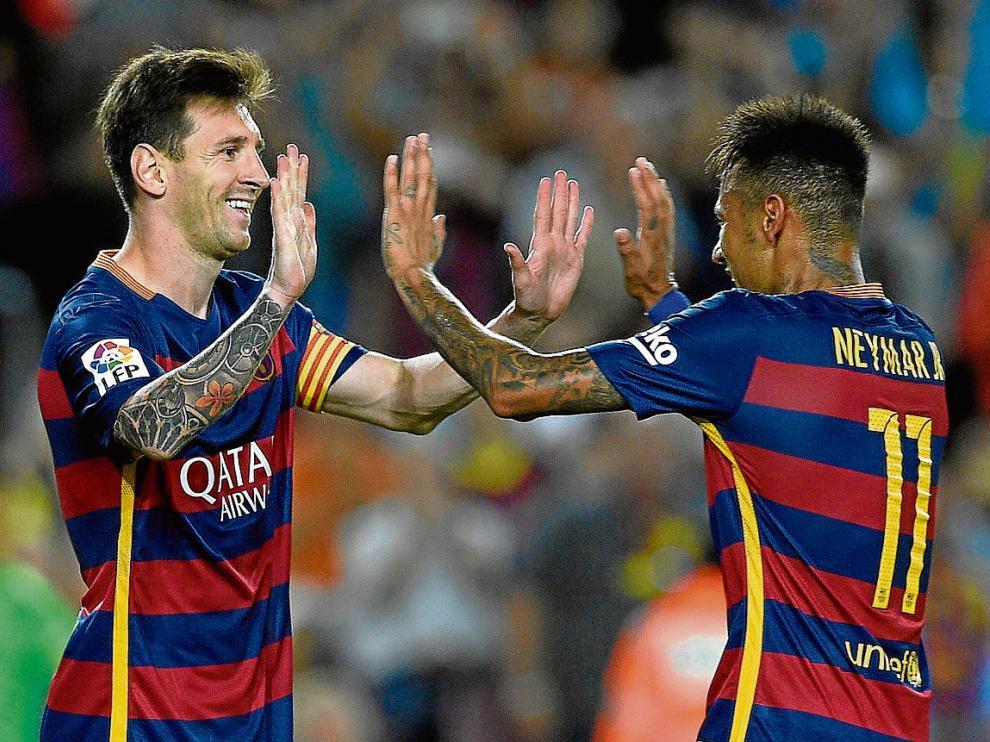 Messi y Neymar celebran el tanto de penalti del argentino, que supuso el 3-0 para el Barça.