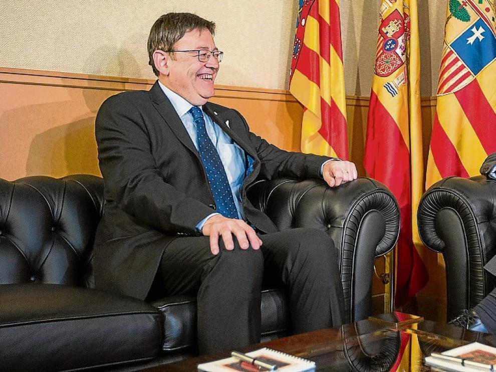 Ximo Puig y Javier Lambán, ayer, reunidos en el Pignatelli.