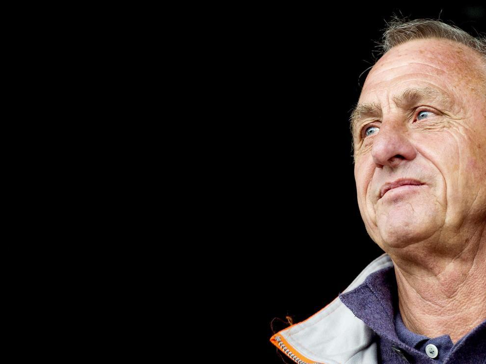 El exentrenador del FC Barcelona Johan Cruyff, de 68 años, sufre un cáncer de pulmón.