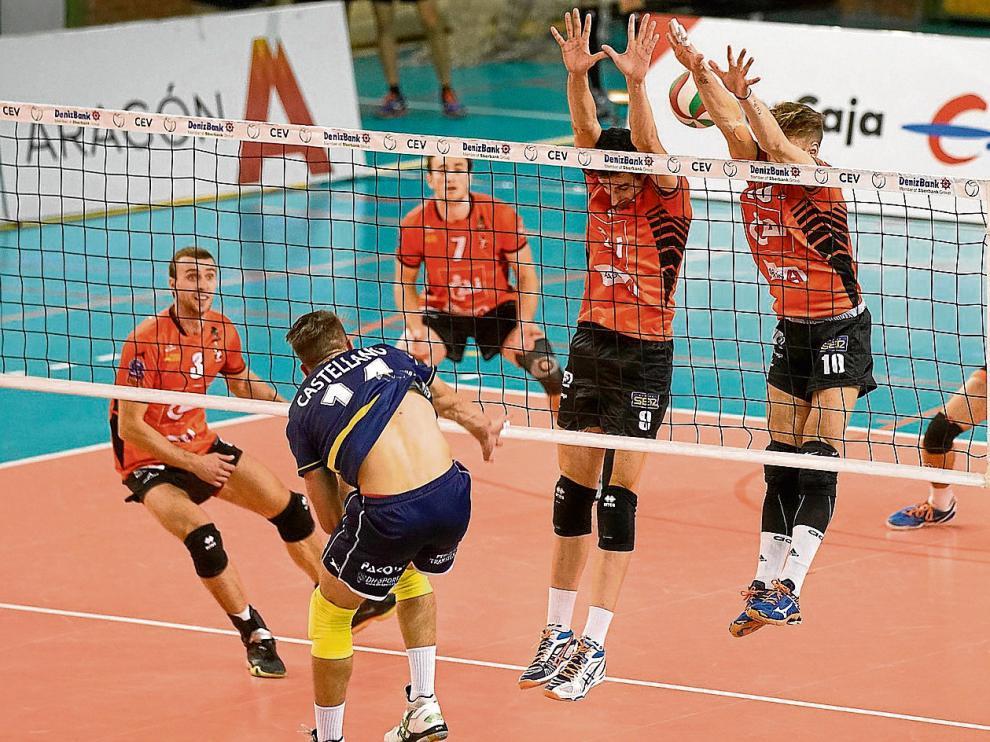 El CAI Voleibol Teruel cumple su décima temporada en la Superliga masculina.