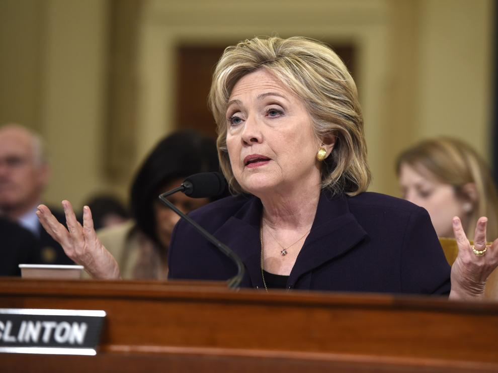 Clinton durante una sesión ante el comité de la Cámara de Representantes.