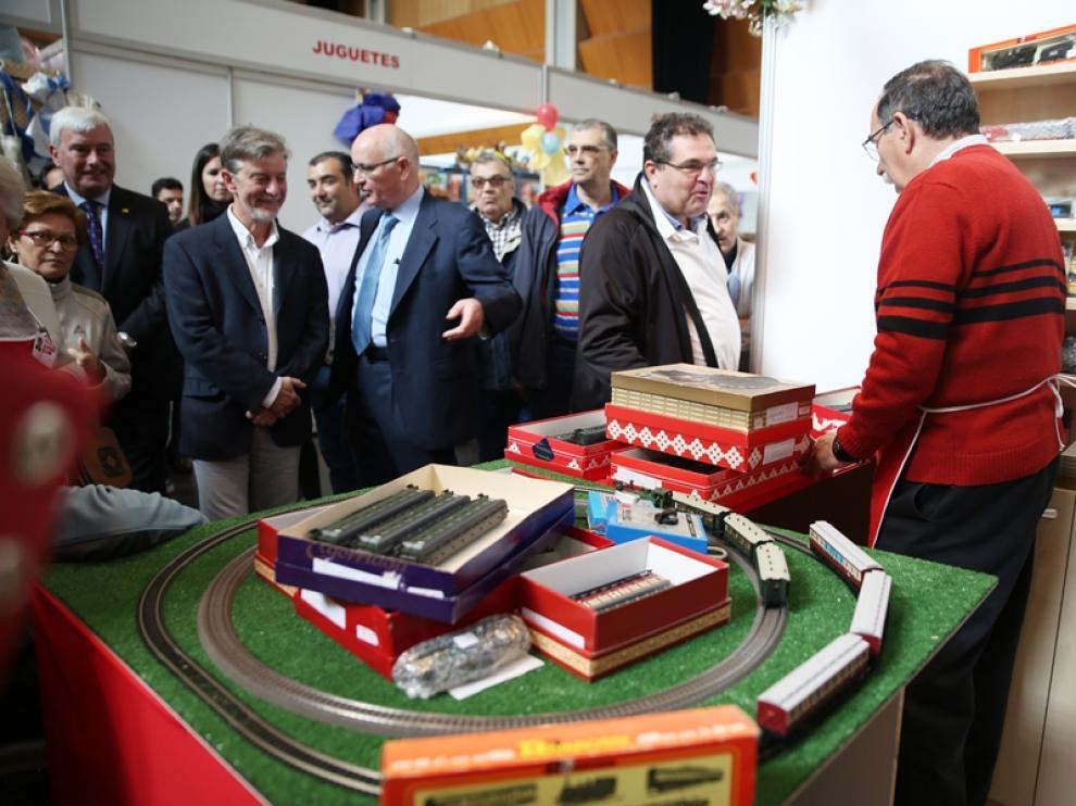 El alcalde de Zaragoza en la presentación del rastrillo