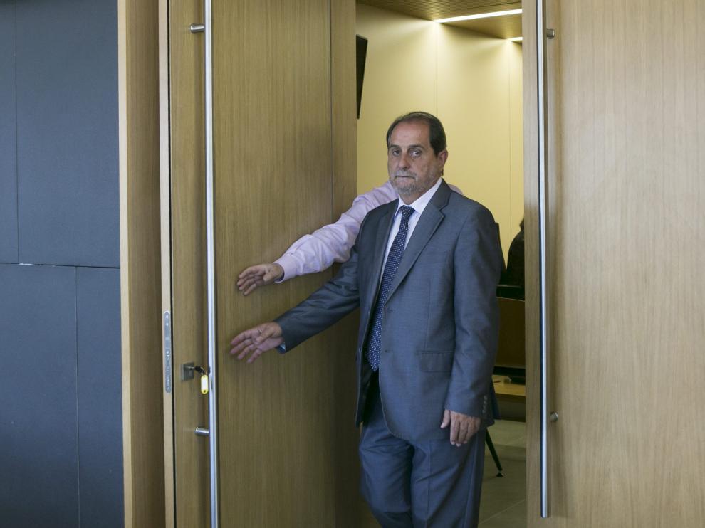 Javier Velasco tras su declaración.