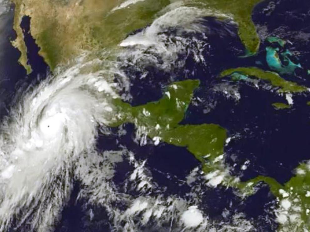 """México se enfrenta al huracán """"más peligroso"""" de su historia"""