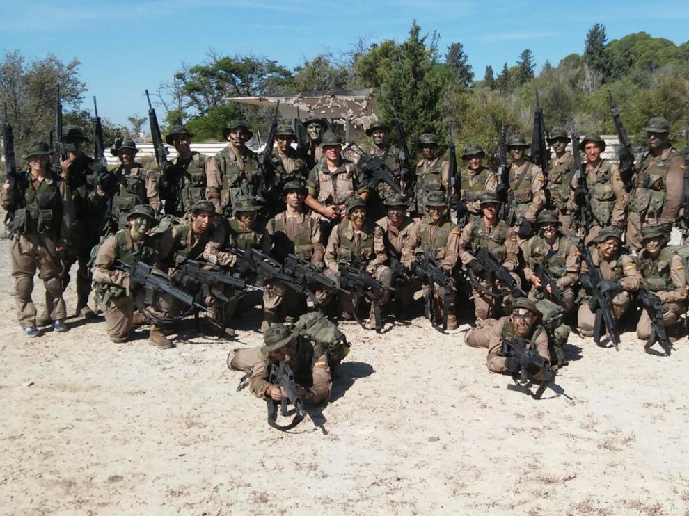 Algunos de los cadetes y damas que jurarán bandera este sábado en la Academia General Militar.