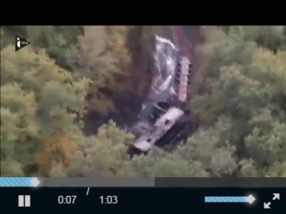 Colisión e incendio de un autobús y un camión