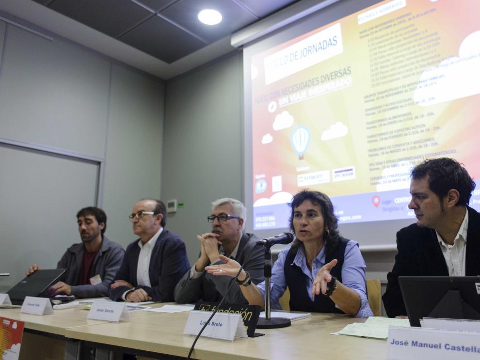 La presentación ha tenido lugar en Centro Joaquín Roncal.