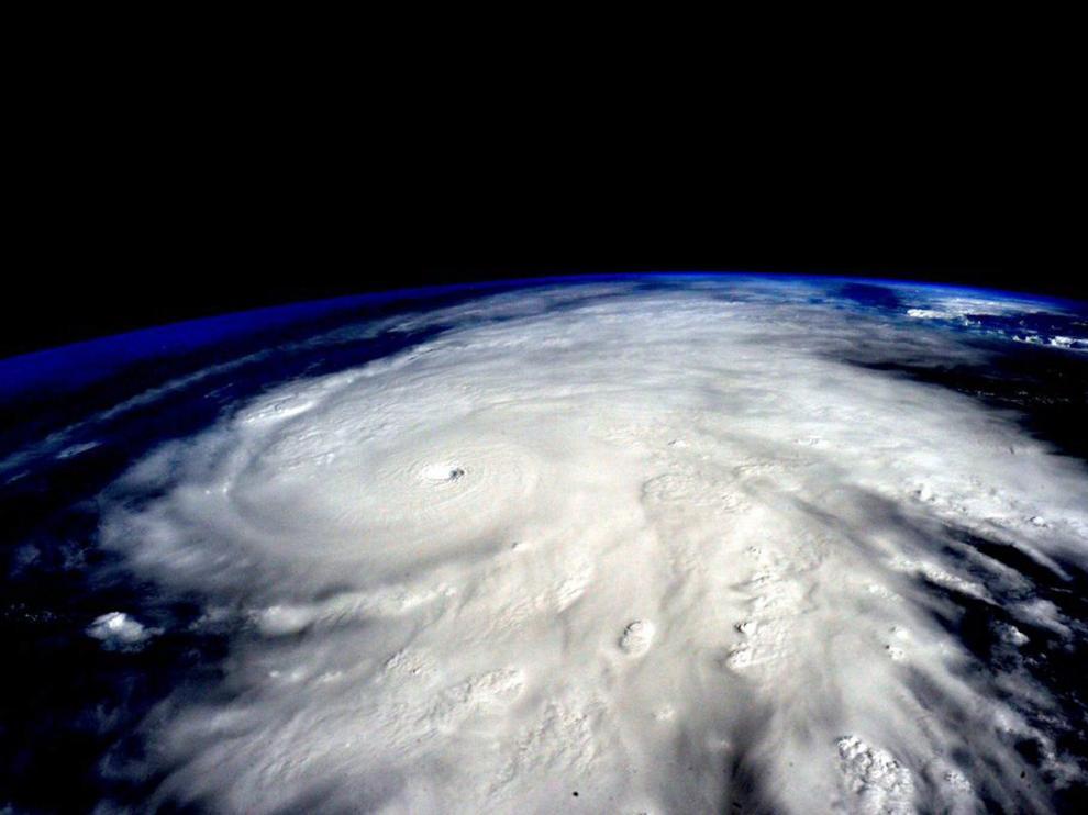 Imagen del huracán Patricia tomada por el astronauta Scott Kerry desde la Estación Espacial Internacional este viernes.