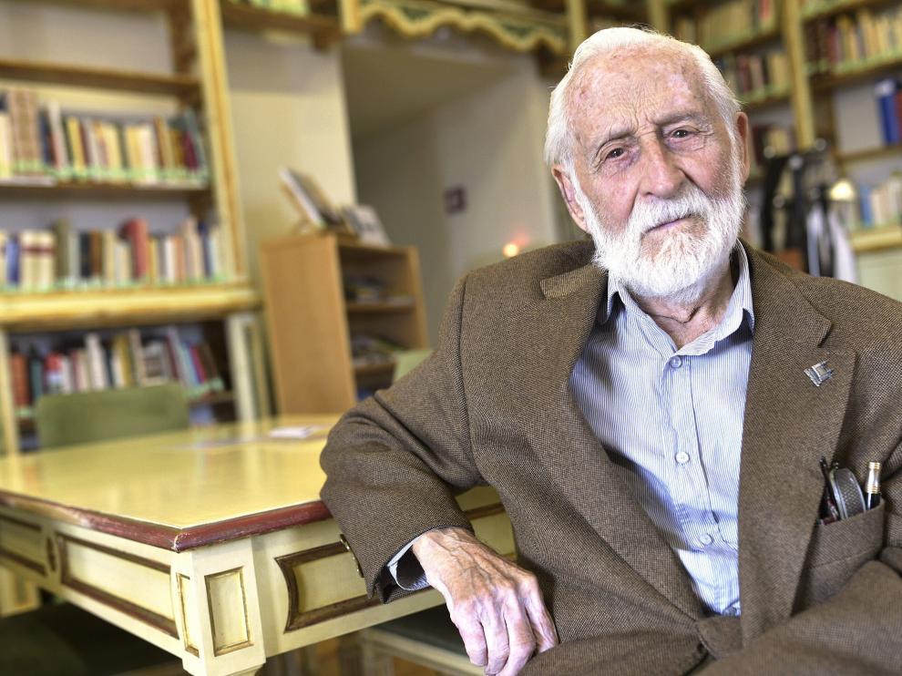 El toledano Paco Sanz de Castro tiene 94 años y es un lector empedernido.