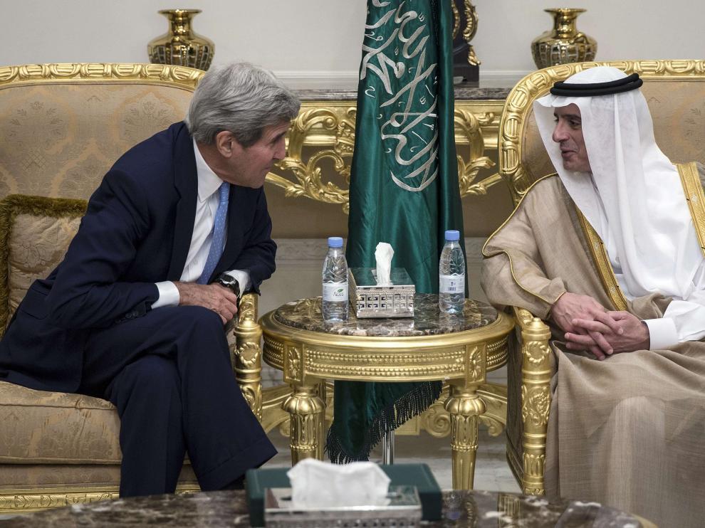 Jonh Kerry durante su encuentro con el Ministro de Arabia Saudí.