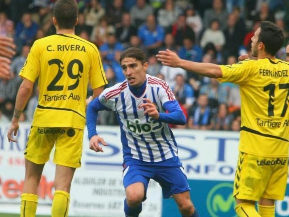 Una imagen del partido entre la Ponferradina y el Oviedo