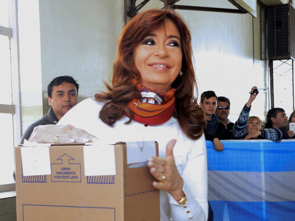 La presidente argentina Cristina Fernández ha acudido a votar este domingo en la localidad patagónica de Río Gallegos