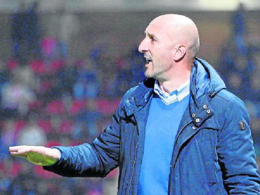Popovic, durante el partido del Real Zaragoza en Montilivi