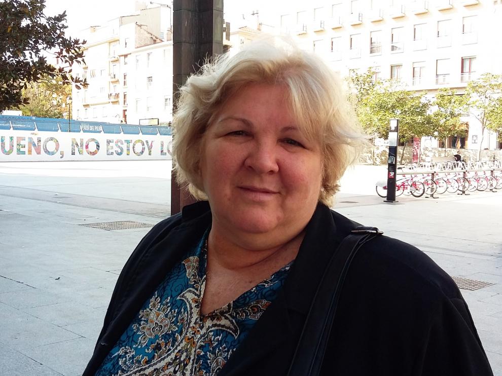 Aleida Guevara en la plaza del Pilar.