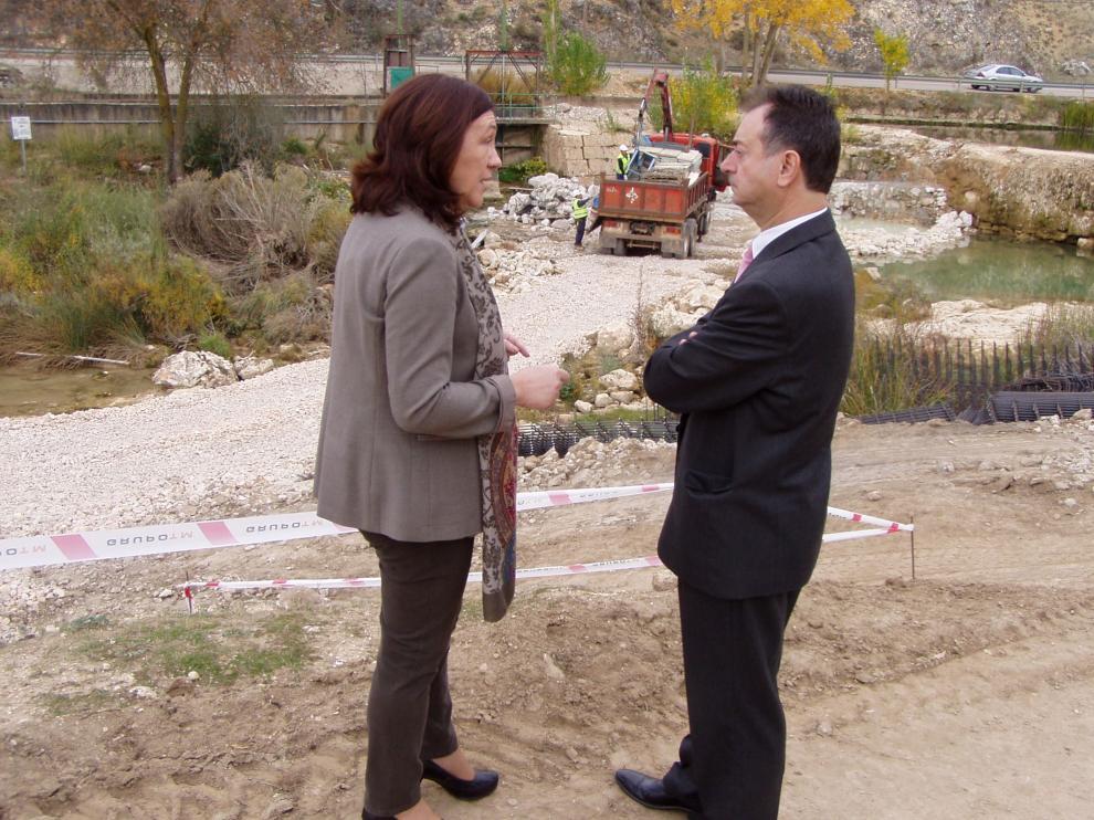 La subdelegada del Gobierno en Soria, María José Heredia, ha visitado este lunes, acompañada por el alcalde de El Burgo de Osma, Jesús Alonso.