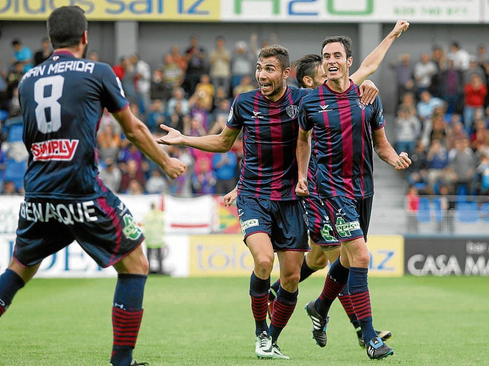 Mainz celebra con rabia el primer y único gol que ha marcado hasta ahora en El Alcoraz.