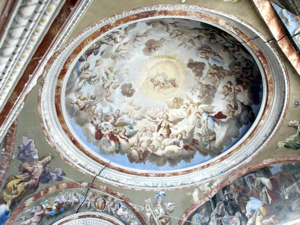 Fotografía de archivo de las pinturas murales del Camarín de la Virgen en el Aula Magna Tirso de Molina.