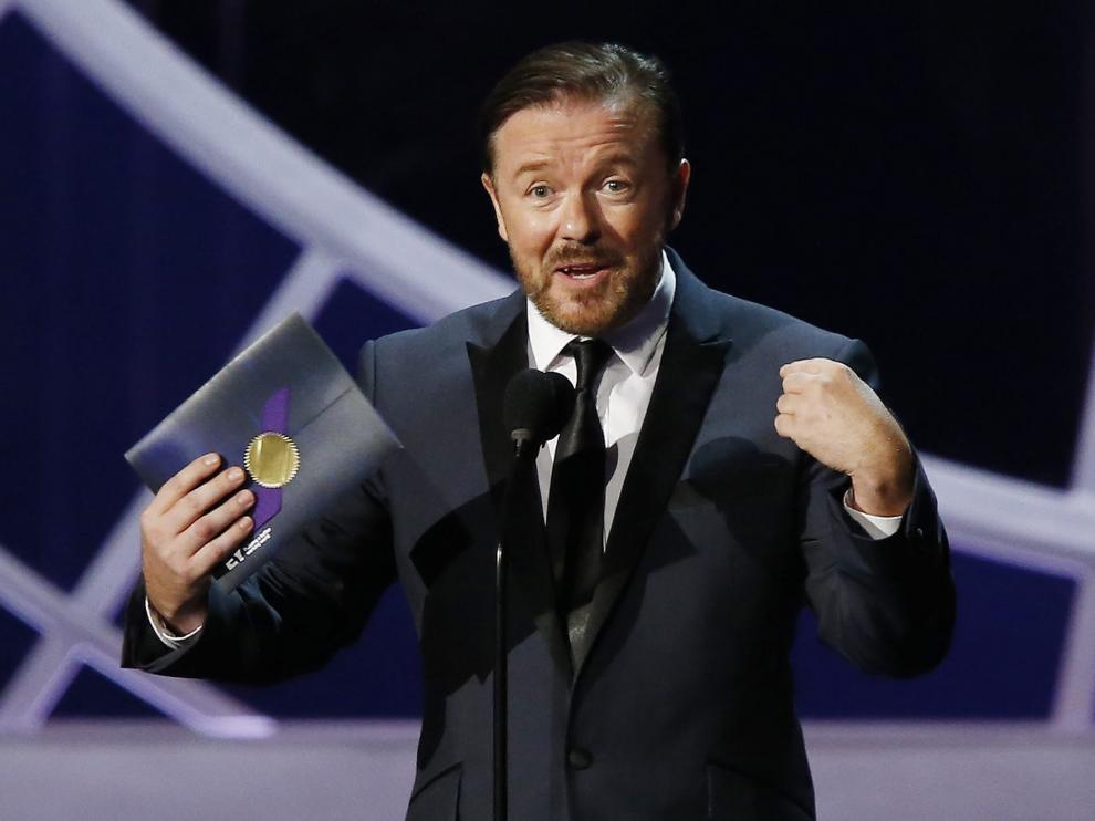 Ricky Gervais presentará los Globos de Oro por cuarta vez.