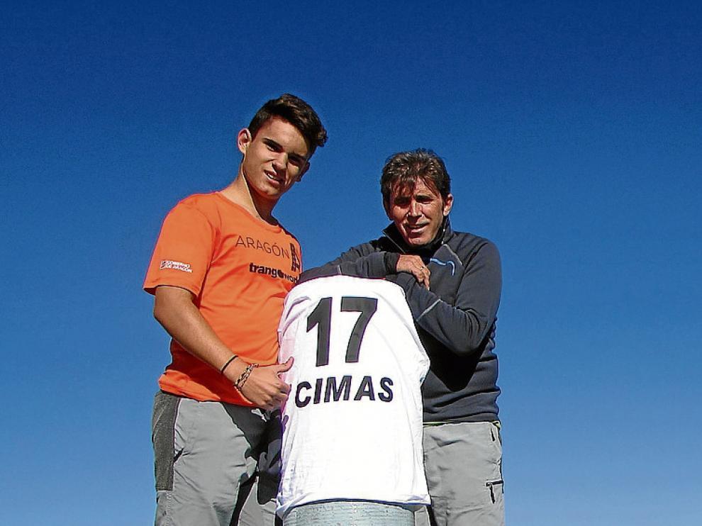 Carlos Sanz y su hijo Samuel, el pasado sábado en Peñalara.