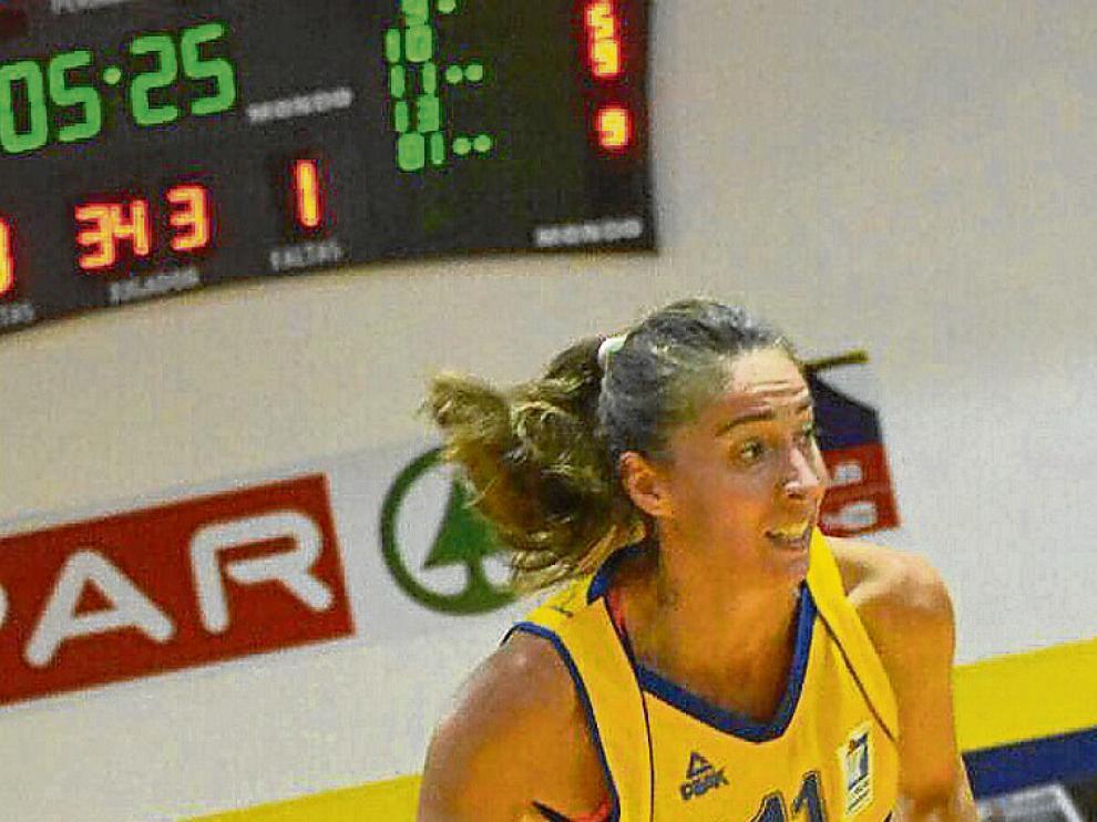 Estela Royo, durante un partido con el Spar Gran Canaria.