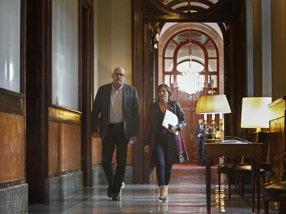 Carmen Forcadell llega a la reunión de la Mesa del Parlament.