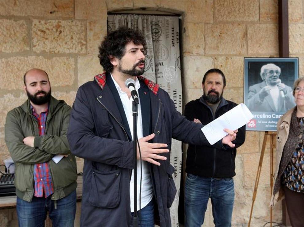 El portavoz del Grupo Mixto, José Sarrión (IU-Equo), durante su intervención en el homenaje al ex-líder sindical Marcelino Camacho, realizado por el ateneo cultural 'Jesús Pereda'.