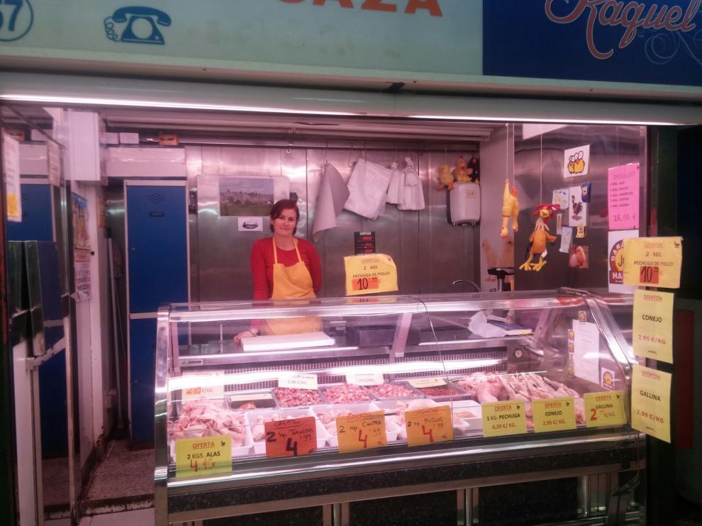 Raquel Escudero, en su puesto del Mercado Central