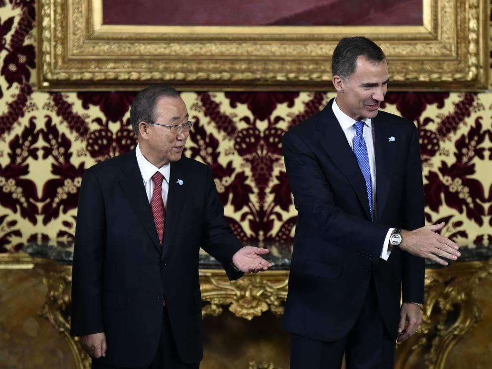 La ceremonia ha tenido lugar en el Palacio Real junto al Rey.