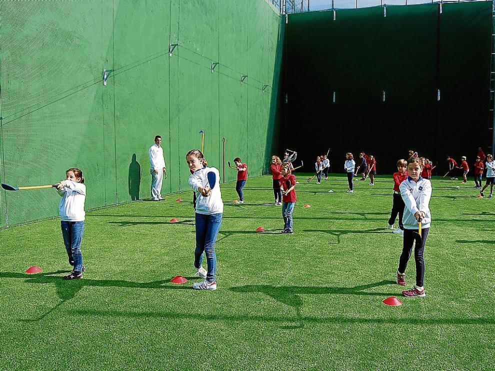 La nueva cancha de prácticas se ubica en el antiguo frontón de La Peñaza.