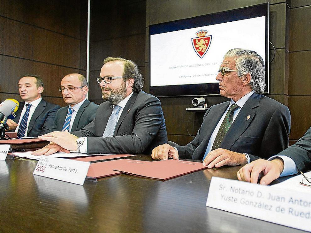 Acto de la firma del proceso de donación de acciones a los abonados y pequeños accionistas.