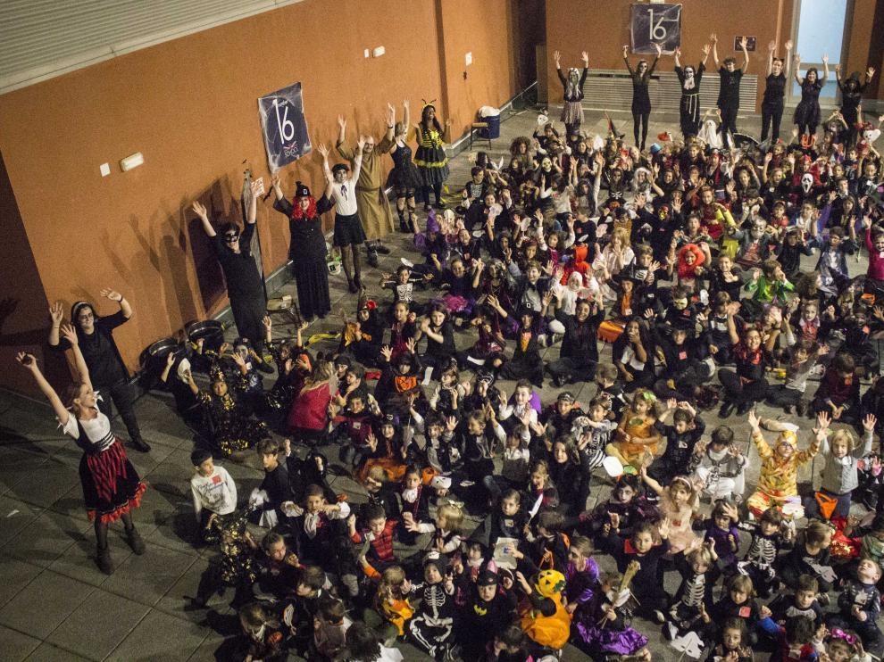 Algunos de los asistentes que acudieron a la fiesta de Halloween.